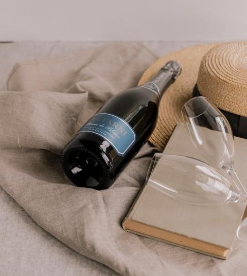 托塔尼 Taltarni 酒莊 法式傳統氣泡酒 水藍